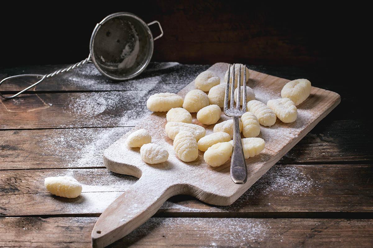 Gnocchetti di patate con Galletto Vallespluga e sugo di pomodoro